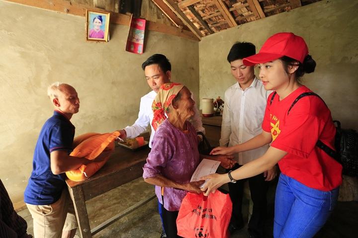Bát Tràng Việt Nam chung tay hướng về miền Trung ruột thịt
